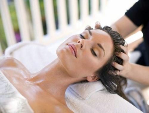 75 Min Treatment: Deep Cleanse Facial + Bleaching + Eyebrow & Upper Lips Threading