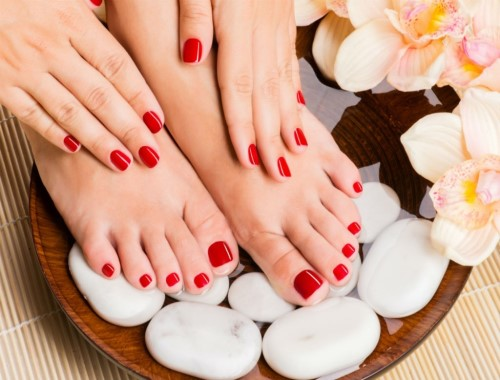 60 Min Deep Cleanse Facial + 40 Min Manicure + 40 Min Pedicure